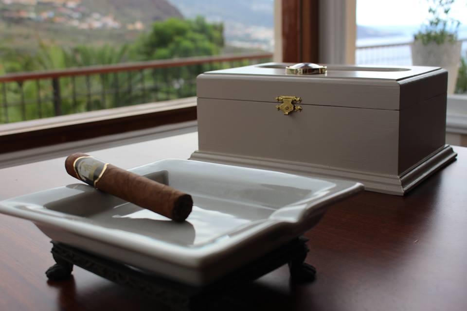 Humidores de Tabaco para tus puros palmeros. Puros Artesanos Julio. Breña Alta. La Palma. Islas Canarias. Puros Canarios.